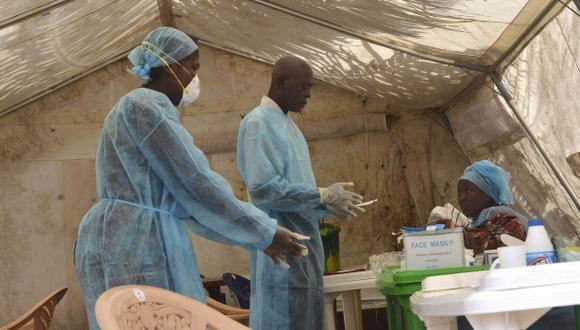 ¿Cómo actúa el virus del ébola?