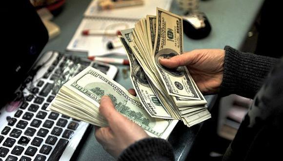 Monedas emergentes se aprecian contra el dólar