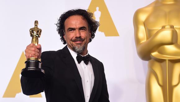 """Alejandro González Iñárritu en la gala del Oscar de 2015 donde ganó como Mejor director y Mejor película por """"Birdman""""."""
