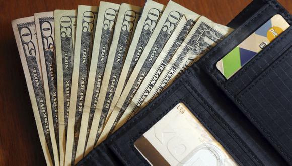 """La ayuda económica ante el nuevo coronavirus en Estados Unidos podría demorar en llegar a manos de quienes no están """"bancarizados"""". (Foto: AP)"""