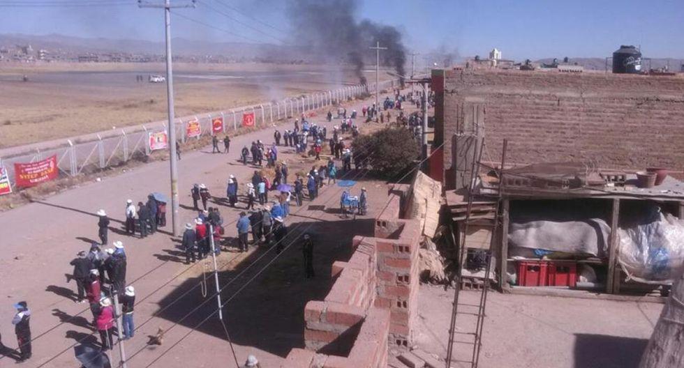 Durante las protestas en Puno, una turba destruyó parte del cerco del aeropuerto de Juliaca. No hubo detenidos. El Ministerio del Interior anuncia sanciones por actos violentos (Foto: cortesía)