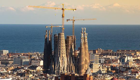 La Sagrada Familia es uno de los proyectos arquitectónicos más largos del mundo y si se cumple el pronóstico habrá estado 144 años en construcción. (Foto: Pixabay)