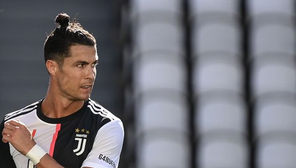 La confesión de Maurizio Sarri sobre Cristiano Ronaldo y los goles de tiro libre. (Foto: AFP)