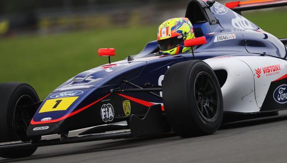 Matías Zagazeta debuta en esta monoplaza del equipo Carlin Motorsports. (Foto: Jakob Ebrey / Itea Comunicaciones)