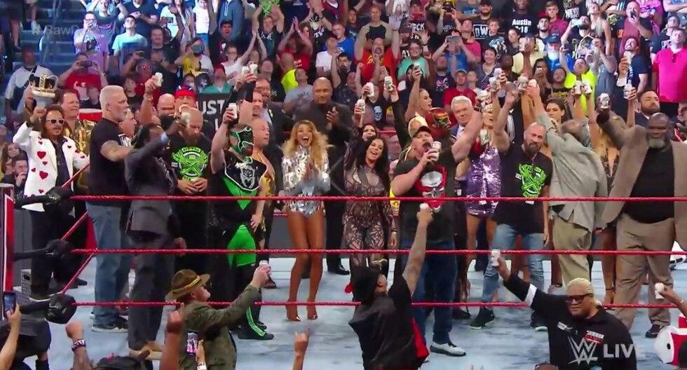 WWE Raw: revive la reunión de todas las leyendas de la marca roja con Stone Cold como protagonista | Foto: WWE