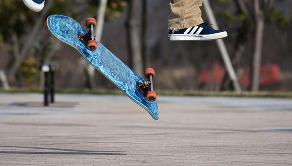 Un policía estadounidense sorprendió a un grupo de niños al realizar una maniobra con un 'skate'   Foto: Pixabay / Santa3 / Referencial