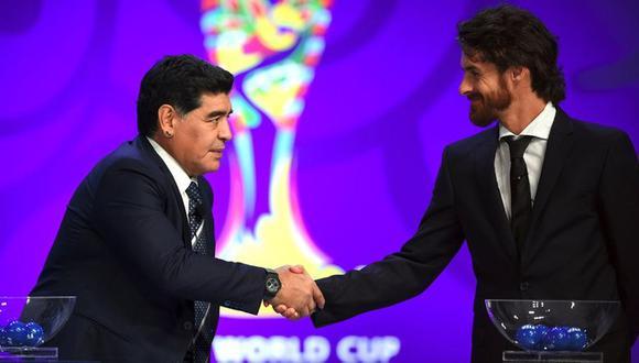 El recuerdo de Pablo Aimar con Diego Maradona. (Foto: AFP)