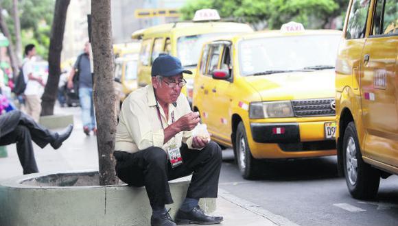 Adultos mayores al volante: MTC respalda norma sobre licencias