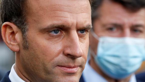 """Emmanuel Macron expresó su """"apoyo"""" a los católicos y a emitió un mensaje de """"unión"""" nacional.. REUTERS/Eric Gaillard/Pool"""