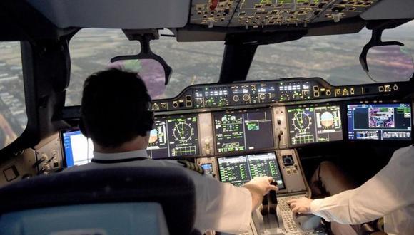 La aviación se plantea la posibilidad de operar vuelos sin pilotos, solo operados por software avanzado. (Foto: Getty)