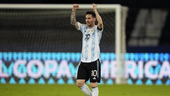 El rosarino fue sorprendido por sus compañeros de la selección de Argentina a la medianoche. (Fuente: AP)