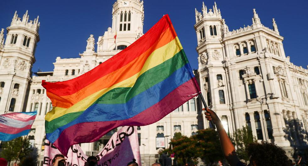 Spain will allow changing sex in the civil registry from the age of 14