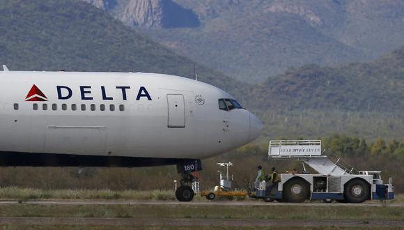 Las aerolíneas están entre los sectores más golpeados a medida que se detienen los viajes y otras actividades económicas. (Fotos: AP)