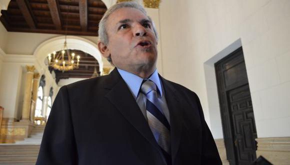 ¿A qué se debe el silencio de Castañeda en la campaña?