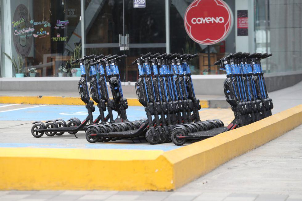 San Isidro publicó una ordenanza para regular el uso de los scooters eléctricos y otros vehículos de movilidad personal. (Foto: Rolly Reyna / El Comercio)