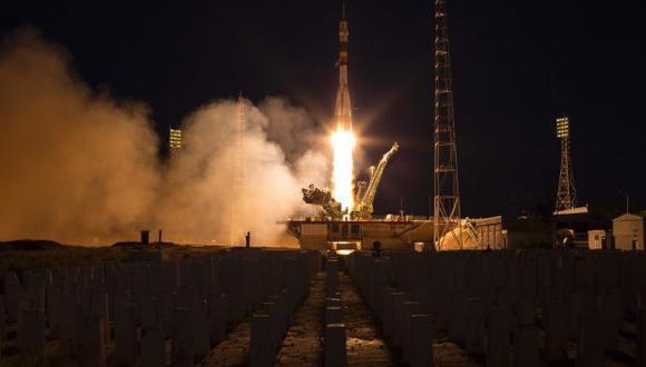 Las naves rusas Soyuz son las únicas capaces de llevar y traer de regreso a las tripulaciones de la estación orbital desde que dejaron de volar los transbordadores espaciales estadouninenses. (Foto: AFP)