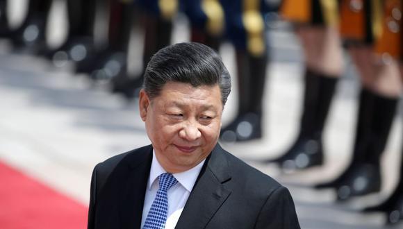 El presidente chino, Xi Jinping, asiste a una ceremonia de bienvenida para el presidente griego Prokopis Pavlopoulos fuera del Gran Salón del Pueblo, en Beijing, China, el 14 de mayo de 2019. (REUTERS / Jason Lee / Foto de archivo).