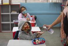 """El día a día de papás de 5 países que llevan a sus hijos al colegio en la """"nueva normalidad"""""""