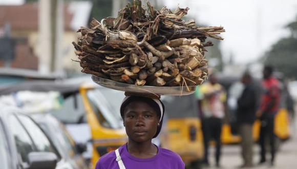 El gobierno ha dado recomendaciones a los nigerianos para evitar el contagio del virus. (AP)