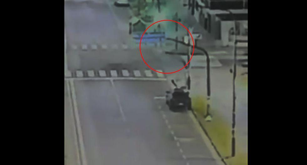 Cámaras de seguridad registraron un hecho extraño en Rosario, Argentina. | Foto: @Yojuanjunco