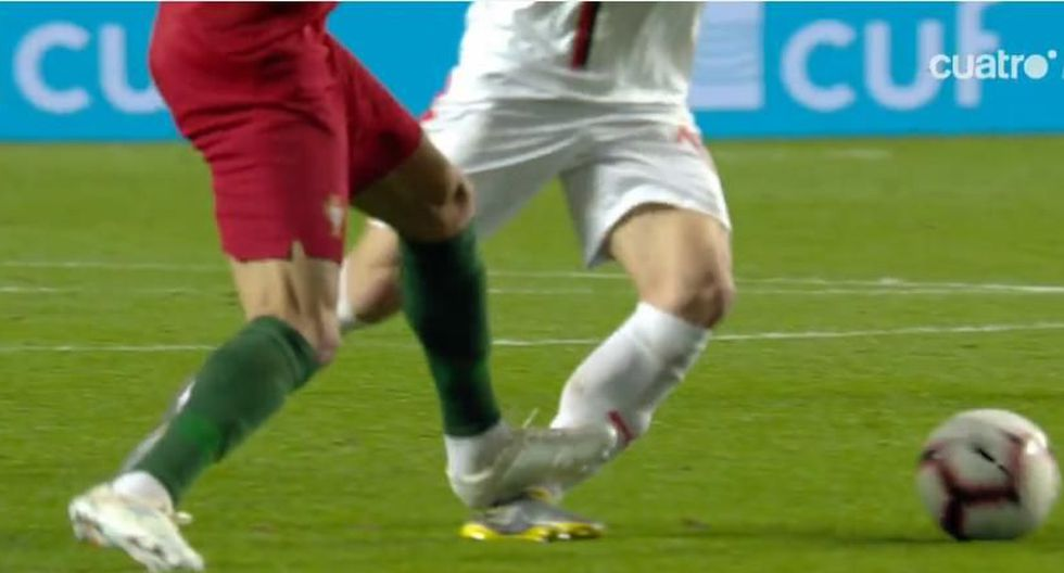 La dura entrada de Pepe sobre Tadic en el Portugal vs. Serbia. (Foto: captura de video)