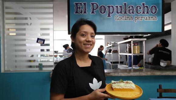 Betsi albornoz comanda la cocina de El Populacho, en Villa María del Triunfo. Su nuevo proyecto, la cebichería Mar Peruano -en Salamanca- ha quedado en stand by a raíz de la cuarentena. (Foto: El Comercio)