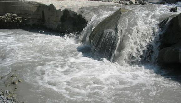 Dos tenientes fallecieron haciendo prácticas en el río Perené