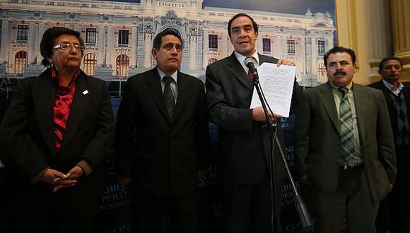 Oposición: Gobierno busca votos para elección en el Congreso