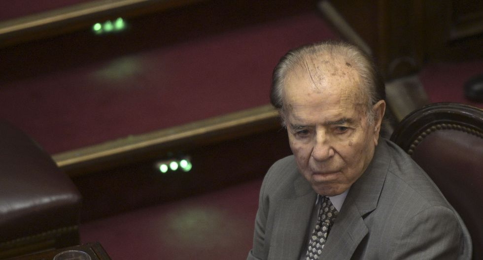 Carlos Menem había sido internado el 13 de junio pasado en la unidad de cuidados intensivos del Instituto Argentino del Diagnóstico de Buenos Aires, con un cuadro de neumonía (Foto: JUAN MABROMATA / AFP)