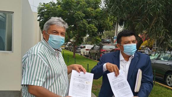 Alberto Beingolea, candidato presidencial, acudió al JNE a presentar el documento para que repongan de inmediato a sus candidatos (Foto: Difusión).