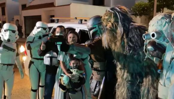 Niño vestido de The Mandalorian arrasa en TikTok con video viral. (Foto: Juan Cardenas Performances /Facebook)