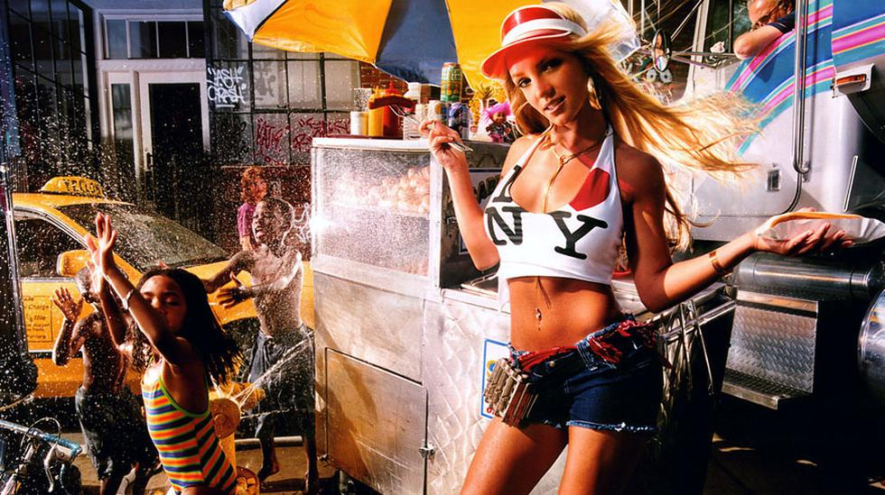 Notables exposiciones, espacios recuperados y desatinos municipales. Un vistazo al arte local del 2015. En esta imagen: Britney Spears retratada por David Lachapelle, una de las imágenes que fueron parte de su muestra en el MAC.