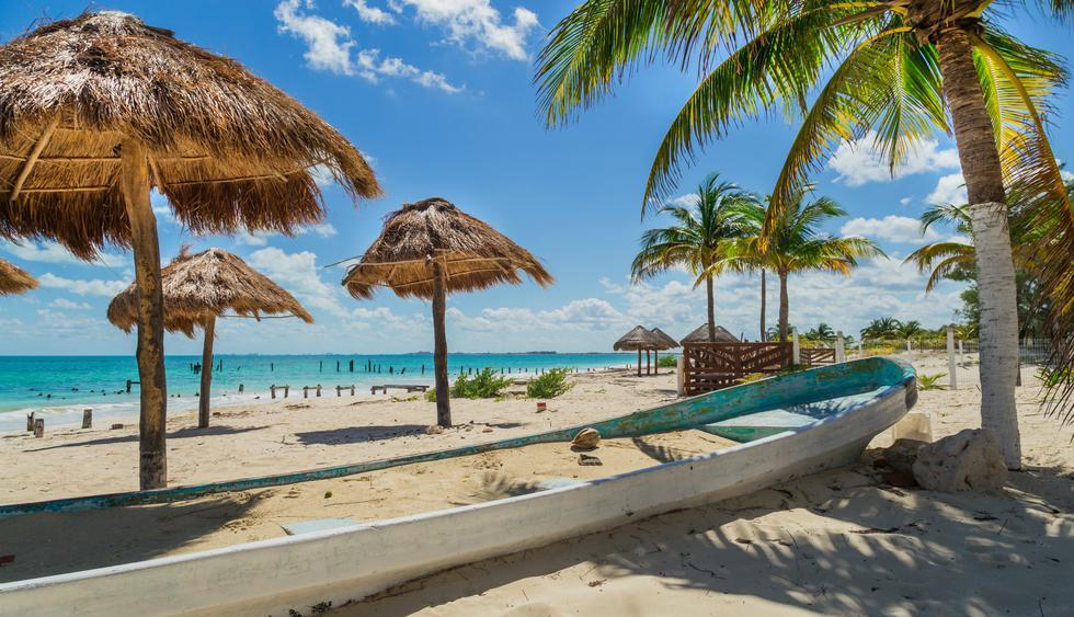 En las playas de Cancún también puedes practicar snorkel y apreciar los arrecifes de coral. (Foto: Shutterstock).