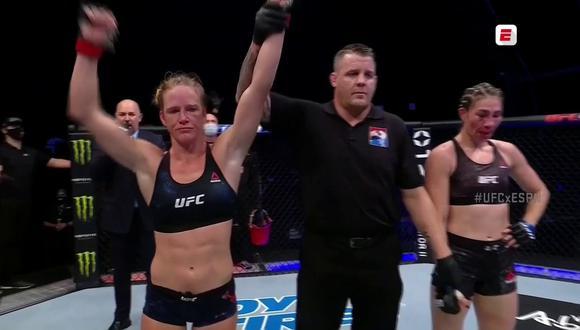Holly Holm derrotó a Irene Aldana en el combate de peso gallo en el UFC Fight Island desde Abu Dabi   Foto: Captura ESPN