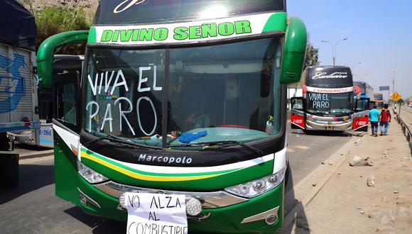 Ejecutivo ofreció una conferencia de prensa en la que explicó cómo va el diálogo con el gremio de transportistas que acatan un paro. (Foto: Hugo Curotto/GEC)