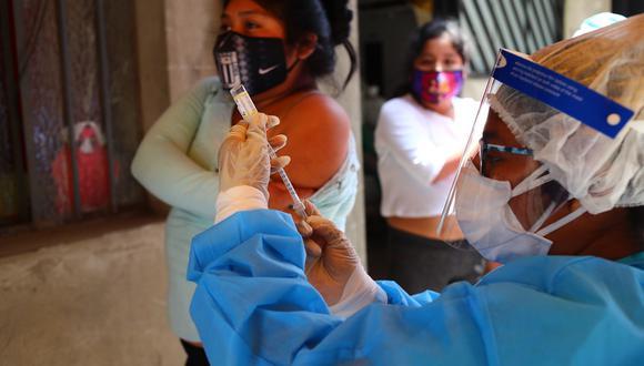 Municipalidad de Lima y el Ministerio de Salud, realizarán una campaña de vacunación contra la difteria, el neumococo y la influenza dirigida a menores y adultos del Cercado de Lima.(Foto: Hugo Curotto/GEC)