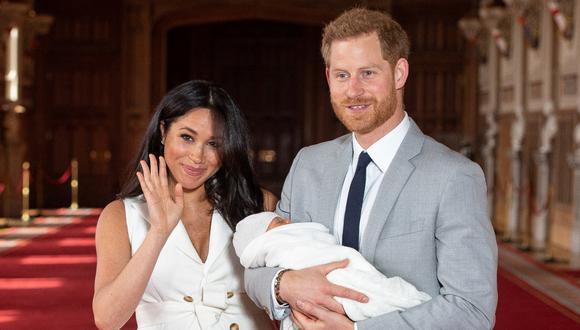 Enrique y Meghan de Sussex quieren bautizar a su hija Lilibet en el Reino Unido. (Foto: AFP)