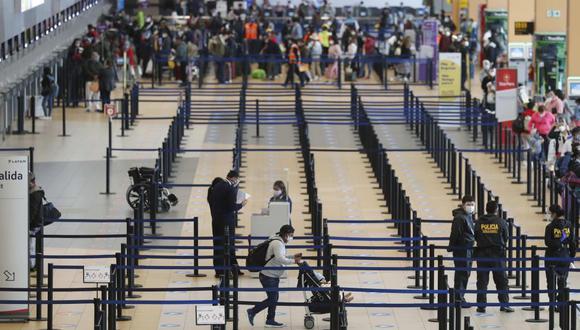 MTC prorroga suspensión de vuelos procedentes de Europa y Brasil.(Foto: EFE/ Paolo Aguilar)