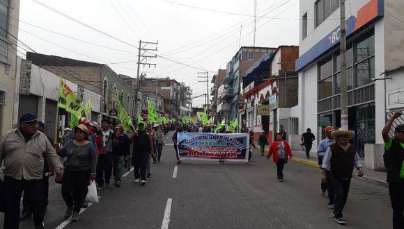 Hoy se desarrolló el segundo día del paro indefinido contra el proyecto minero Tía María. (Foto: Zenaida Condori/Enviada especial)