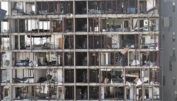 Un edificio dañado por la masiva explosión en Beirut. (EFE / EPA / WAEL HAMZEH).