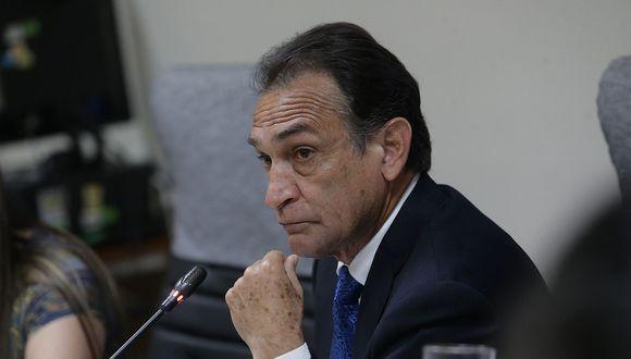 Congresista Héctor Becerril tiene pendiente una denuncia constitucional por los CNM Audios (Foto: Archivo El Comercio)