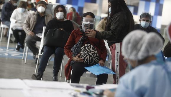 El Minsa amplió hasta el 31 de diciembre del presente año, el decreto de urgencia que dicta medidas extraordinarias para facilitar y garantizar la adquisición, conservación y distribución de vacunas contra el COVID-19. (Foto: GEC).