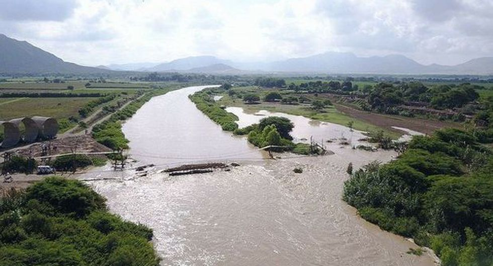 Chiclayo: badén colapsa y 2.500 personas quedan aisladas