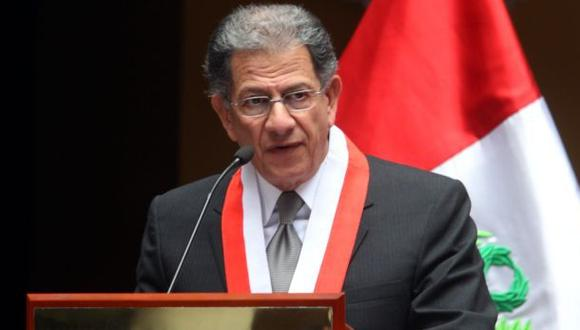 Óscar Urviola saludó la renovación de los miembros del TC