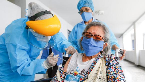 El proceso de vacunación comenzó el martes 9 de febrero en los principales centros de salud en Lima y Callao. (Foto: Ministerio de Salud)