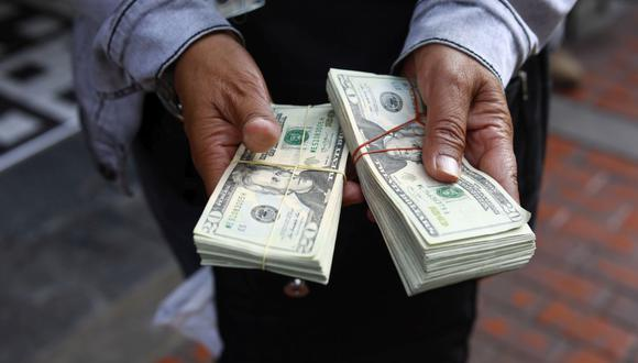 En el mercado paralelo o casas de cambio de Lima, el tipo de cambio se cotizaba a S/3,785 la compra y S/3,825 la venta de cada billete verde. (Foto: Jessica Vicente / GEC)