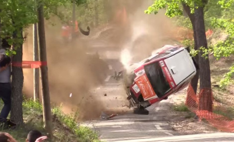 YouTube: Increíble accidente en un rally de Francia