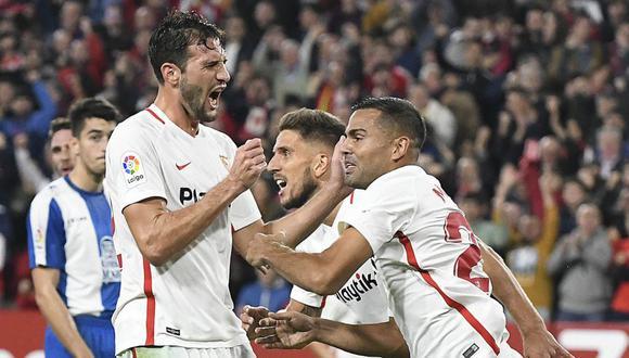La Liga española tiene nuevo líder. Sevilla le quitó la punta al Barcelona, luego de imponerse por 1-0 ante el Valladolid (Foto: AFP)