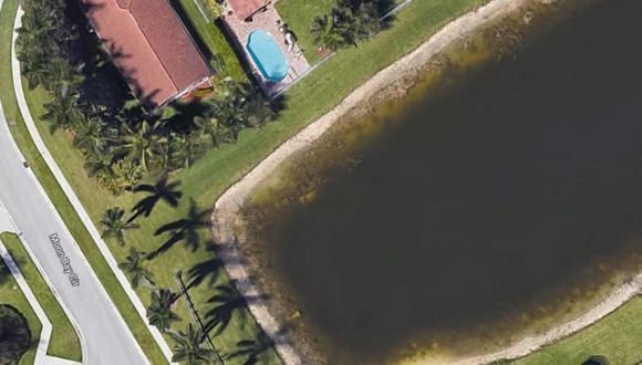 Un usuario de Google Maps descubrió que había un auto hundido en un lago de Florida. (Foto: Google Maps)