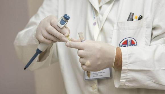 La medicina de precisión depende del análisis genético del individuo. (Foto: DarkoStojanovic en Pixabay. Bajo licencia Creative Commons)